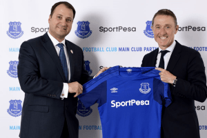 Robert Elstone (right), Everton's CEO and SportPesa's Director Ivo Bozukov after signing a partnership in 2017