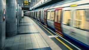 Sebuah Stasiun Bawah Tanah di London